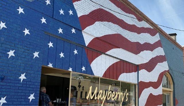image of American Flag mural by Jim Juras