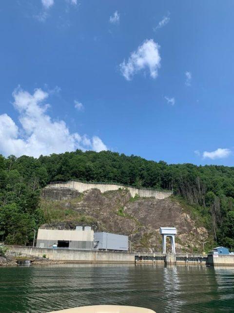 Pic of bad creek hydro station on Lake Jocassee